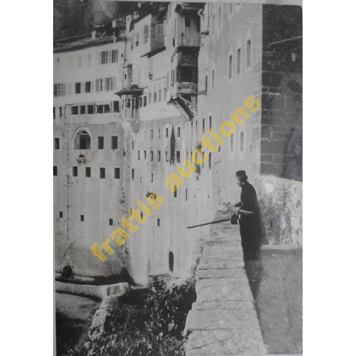 Αφοί ΜΕΓΑΛΟΚΟΝΟΜΟΥ μοναχός στο Μέγα Σπήλαιο Αχαϊα.