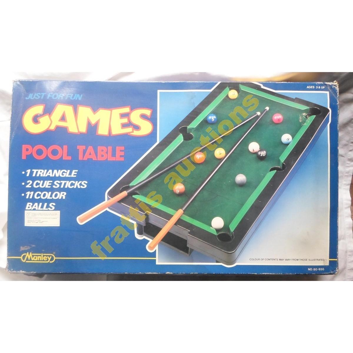 Επιτραπέζιο πλαστικό παιγνίδι μπιλιάρδο. Manley toys.