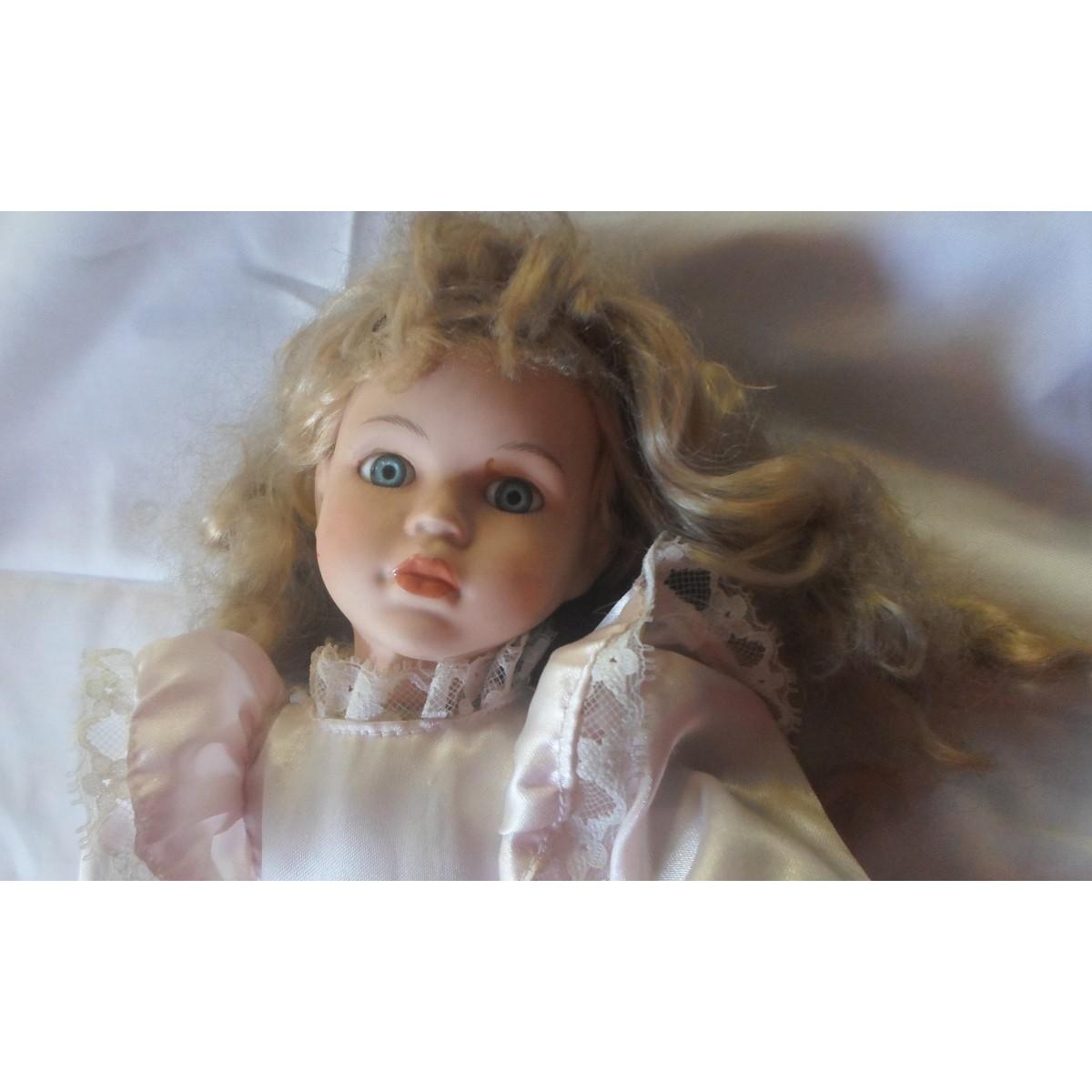 Κούκλα με Πορσελάνινα άκρα 40εκ.