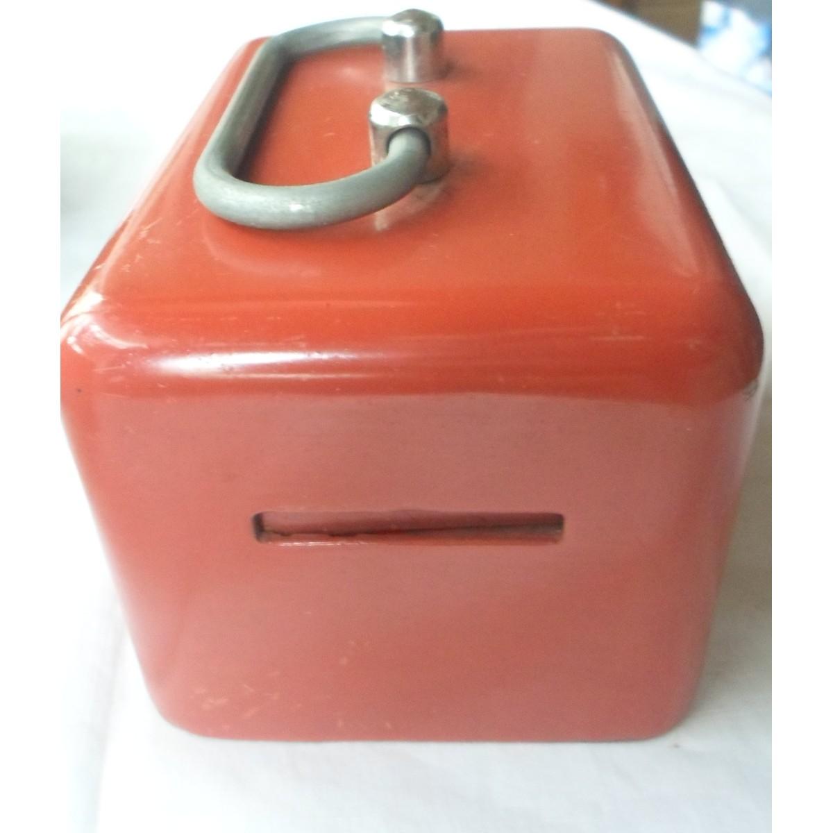 Κουμπαράς μεταλλικός κόκκινος γυαλιστερός.