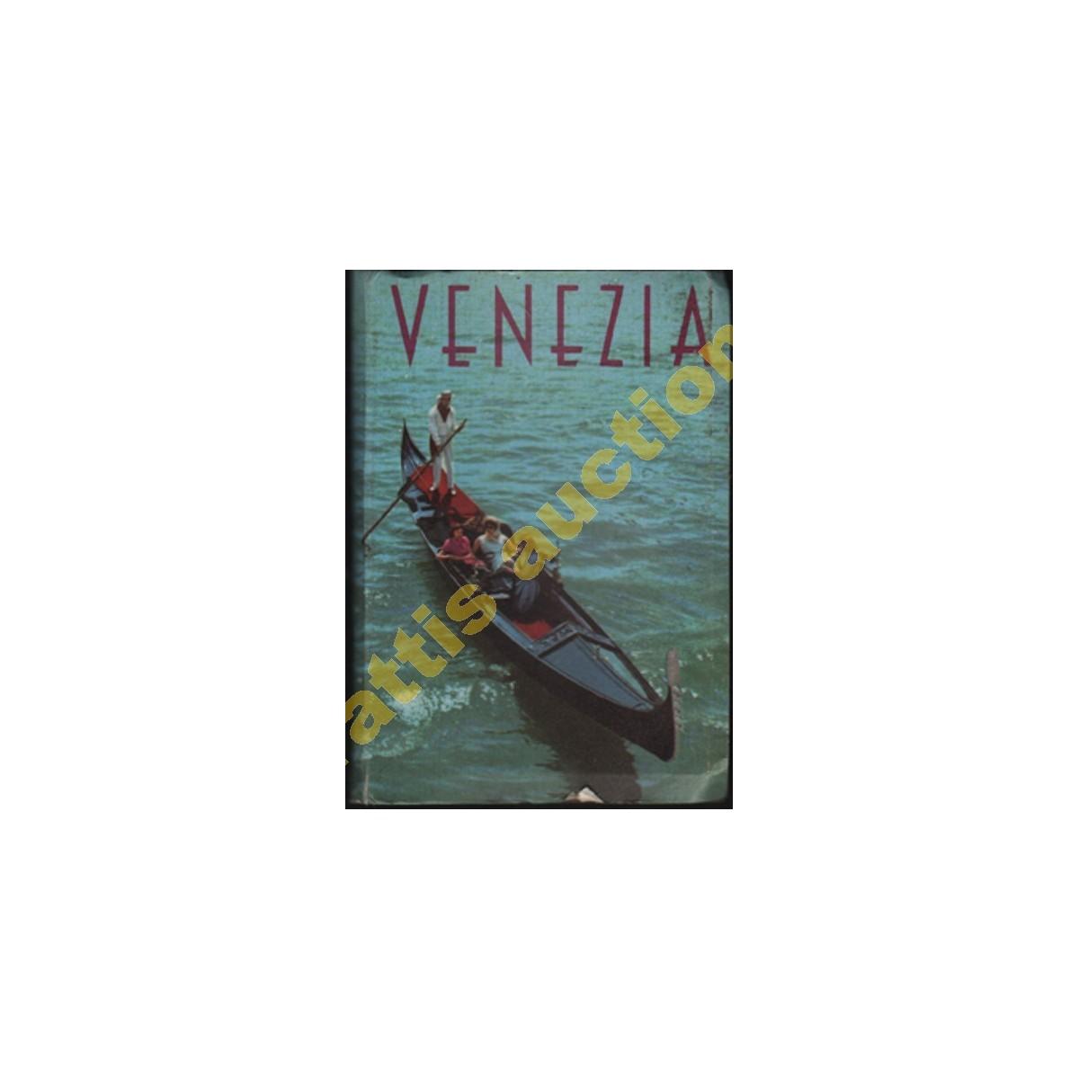 Άλμπουμ με 24 έγχρωμες φωτογραφίες της Βενετίας.