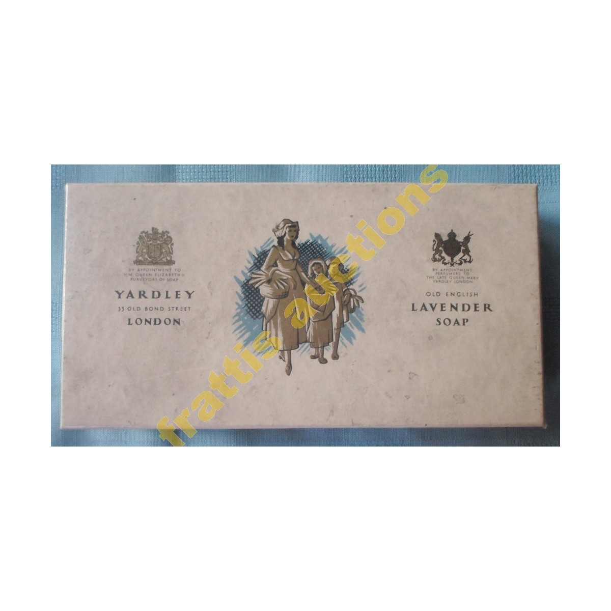 Χάρτινο κουτί Yardley Old English lavender soap.