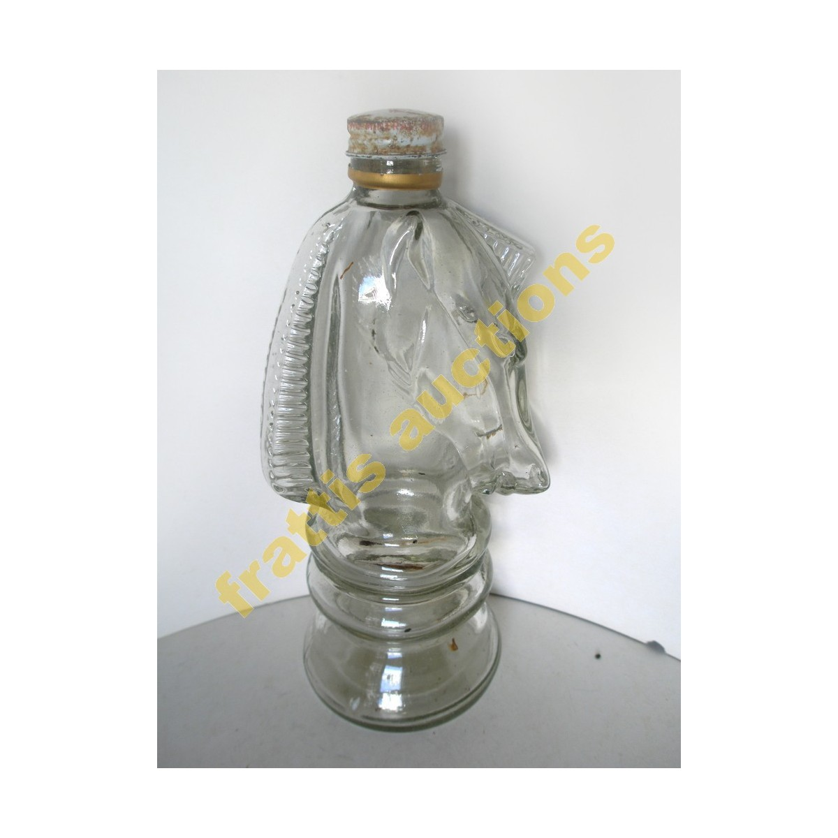 Γυάλινο μπουκάλι σχήμα αλόγου.