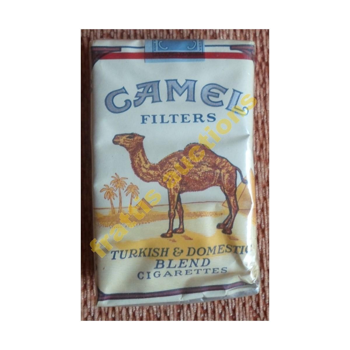Χάρτινο πακέτο των 20 τσιγάρων CAMEL USA.