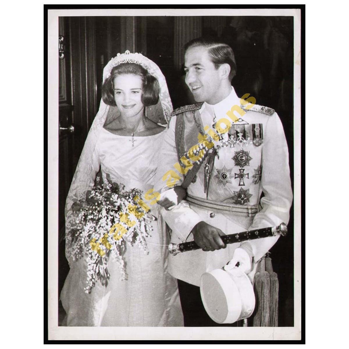 2 Φωτογραφίες από τους γάμους του Βασιλέως της Ελλάδας Κωνσταντίνου ΙΙ με την Άννα-Μαρία.